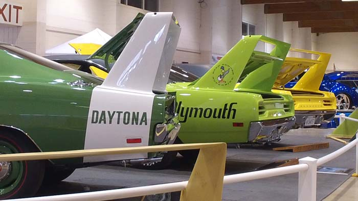 Video -Two Plymouth Superbirds and a Daytona