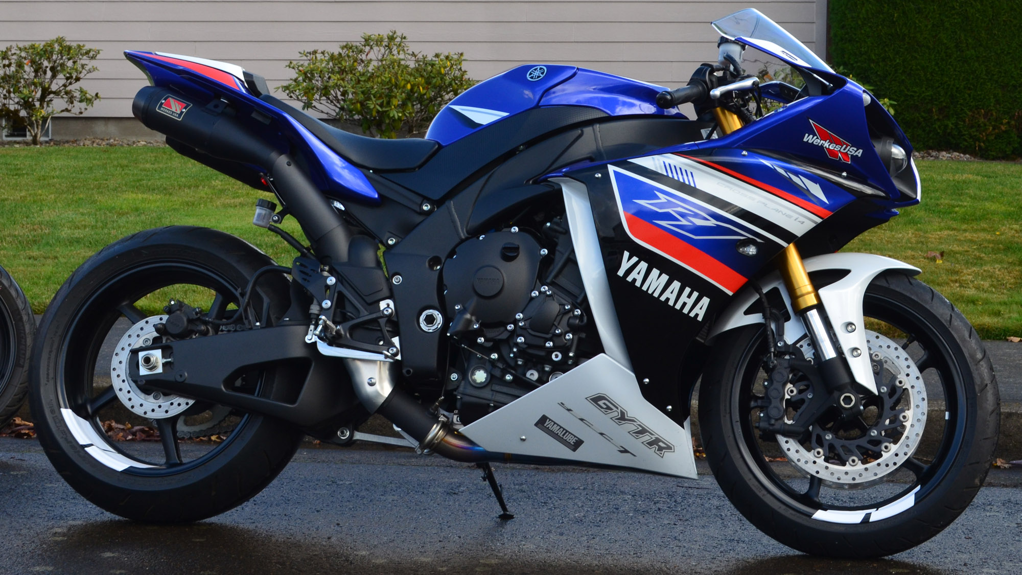 2013 yamaha r1 for the 2017 return to track days series for Yamaha r1 deals