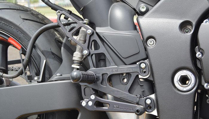 R1 Rearsets Right